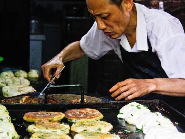 5 món ăn đường phố đã nếm một lần là mê ngay tắp lự ở Thượng Hải - Ảnh 9.