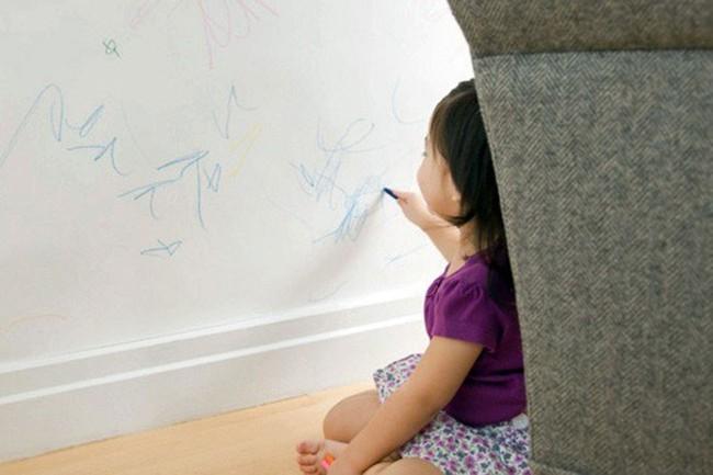 Đón Tết với bức tường sạch bóng không một vết bút chì màu chỉ bằng cách quá nhẹ nhàng - Ảnh 1.
