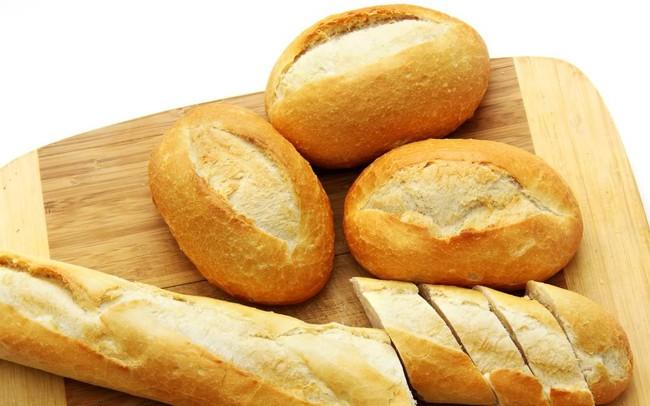 Bánh mì cũ khoan vứt đi mà hãy hồi sinh bằng cách này, đảm bảo thơm như mới ra lò - Ảnh 1.