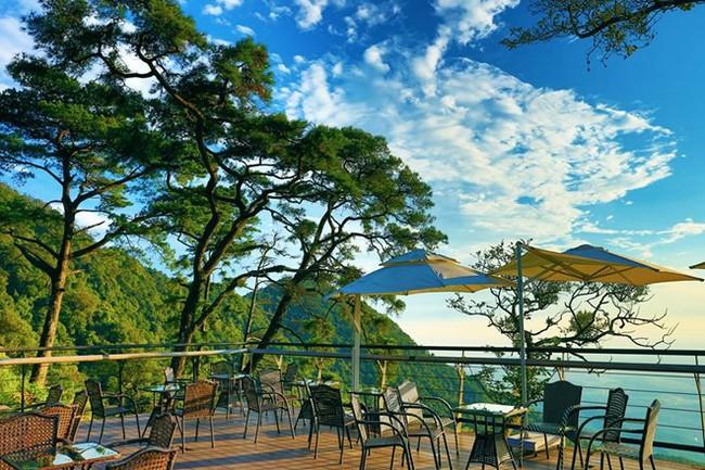 """photo 1 1482983539354 - 2 quán cà phê có thể """"chạm"""" vào mây đẹp nhất Vịnh Bắc Bộ"""