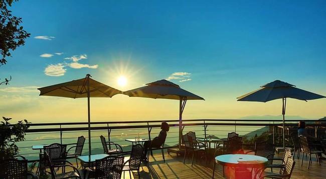"""quangio3 1482987032277 - 2 quán cà phê có thể """"chạm"""" vào mây đẹp nhất Vịnh Bắc Bộ"""