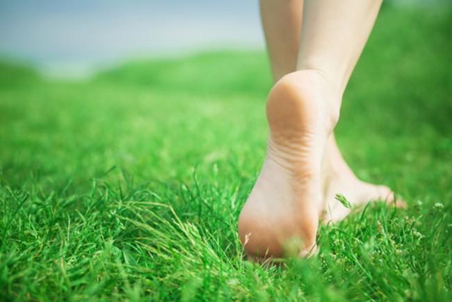 Dấu hiệu cảnh báo nhiều bệnh nguy hiểm qua bàn chân - Ảnh 1.