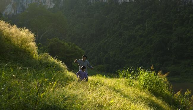 Cha cõng con - Phim Việt không ngôi sao tung trailer đẹp lung linh và chan chứa tình - Ảnh 4.