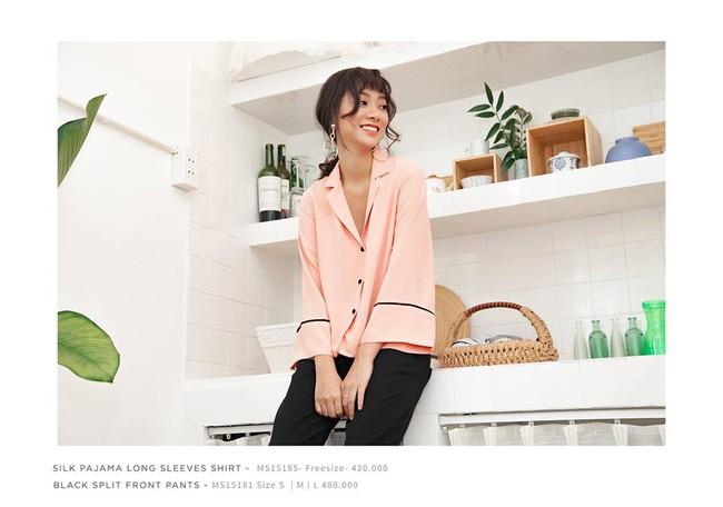 Loạt mẫu áo sơmi/blouse trơn màu giá chưa đến 500 ngàn từ thương hiệu Việt để các nàng chọn mua cho hè - Ảnh 2.