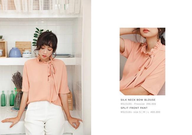 Loạt mẫu áo sơmi/blouse trơn màu giá chưa đến 500 ngàn từ thương hiệu Việt để các nàng chọn mua cho hè - Ảnh 1.
