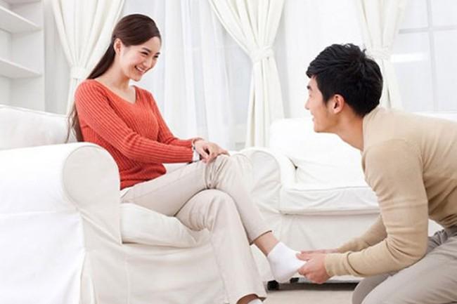 Lấy đàn ông tuổi này về làm chồng, phụ nữ sẽ được cưng chiều, yêu thương hết mực - Ảnh 1.