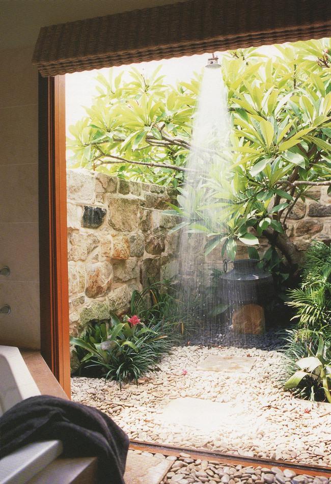 Nhà tắm ngoài trời, cách đơn giản để mang thiên đường vào không gian sống - Ảnh 10.