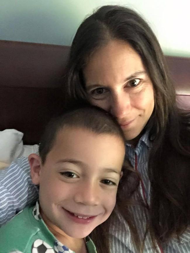 Nếu có con trai, nhất định hãy dành 1 phút để đọc chia sẻ của bà mẹ này - Ảnh 2.