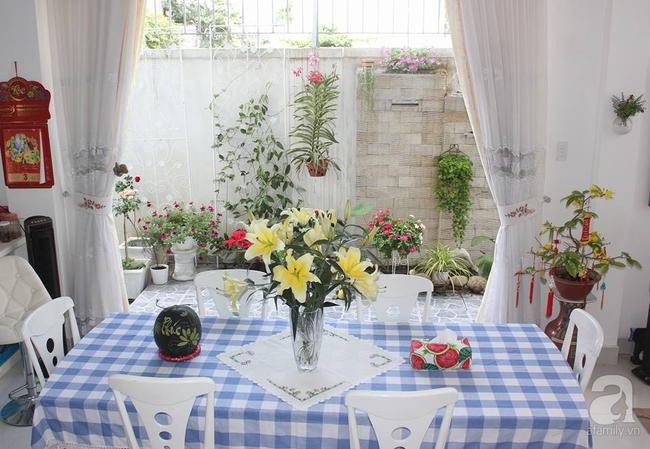 Ngôi nhà vườn rộng 200m² nhìn đâu cũng thấy cây và hoa rực rỡ ở TP HCM - Ảnh 14.