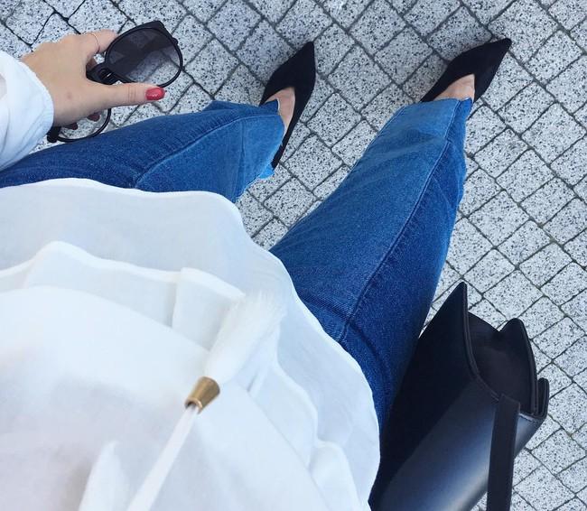 Đâu cần phải quá cầu kỳ hay sang chảnh, giày V-line đơn giản lại là thiết kế khiến nàng công sở không thể làm ngơ - Ảnh 4.