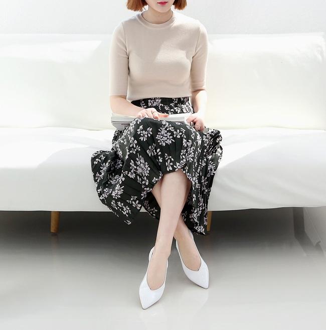 Đâu cần phải quá cầu kỳ hay sang chảnh, giày V-line đơn giản lại là thiết kế khiến nàng công sở không thể làm ngơ - Ảnh 14.