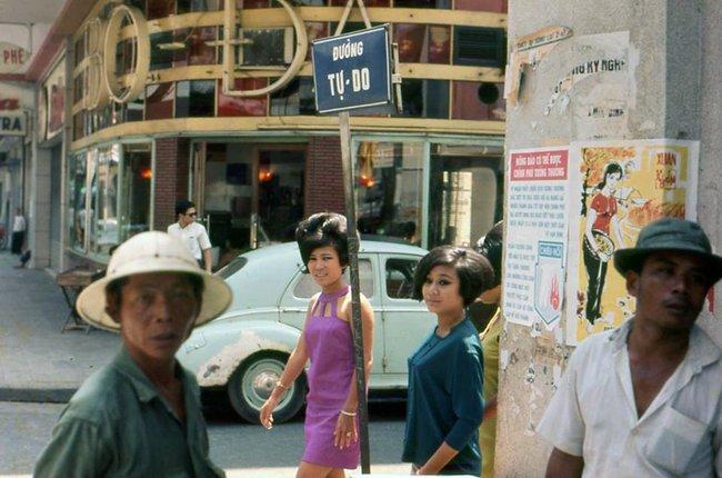 Hơn nửa thế kỷ trước, phụ nữ Sài Gòn đã mặc chất, chơi sang như thế này cơ mà! - Ảnh 12.
