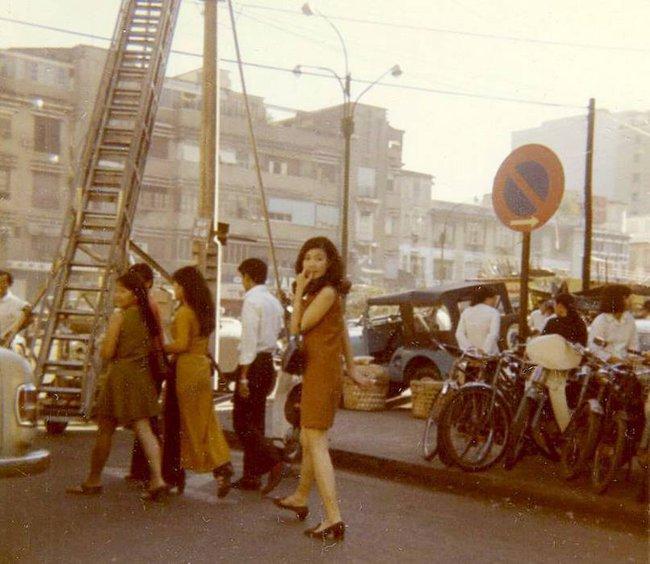 Hơn nửa thế kỷ trước, phụ nữ Sài Gòn đã mặc chất, chơi sang như thế này cơ mà! - Ảnh 18.