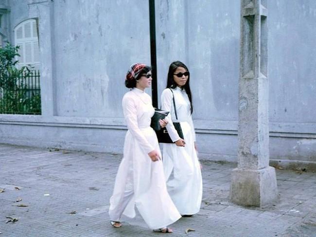 Hơn nửa thế kỷ trước, phụ nữ Sài Gòn đã mặc chất, chơi sang như thế này cơ mà! - Ảnh 9.