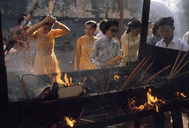 Hơn nửa thế kỷ trước, phụ nữ Sài Gòn đã mặc chất, chơi sang như thế này cơ mà! - Ảnh 22.