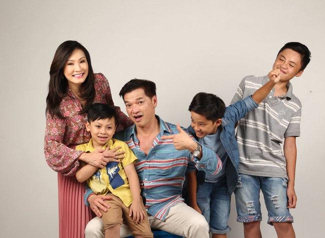 Hồng Đào khóc ròng vì Quang Minh dạy con siêu kỳ quặc - Ảnh 1.