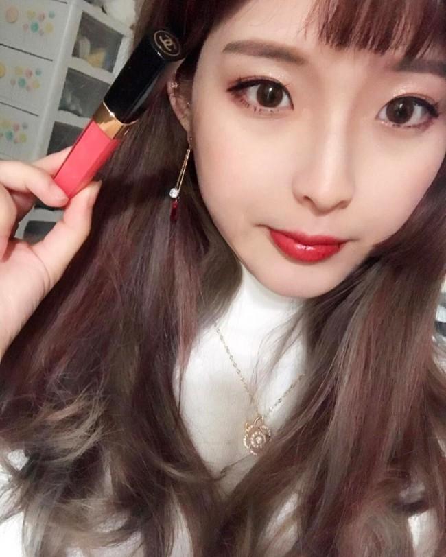 Những mốt makeup nhẹ nhàng trong trẻo nên áp dụng ngay cho cô nàng công sở - Ảnh 6.