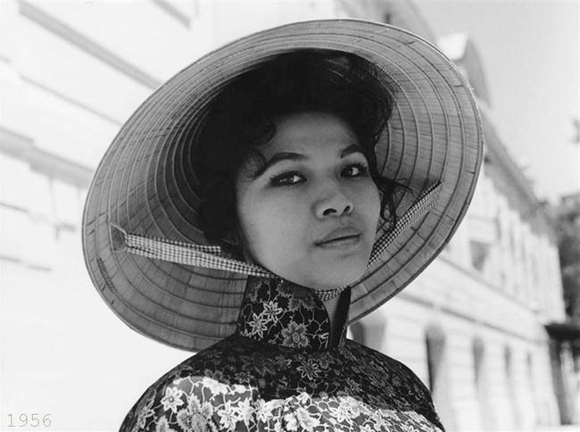 Hơn nửa thế kỷ trước, phụ nữ Sài Gòn đã mặc chất, chơi sang như thế này cơ mà! - Ảnh 1.