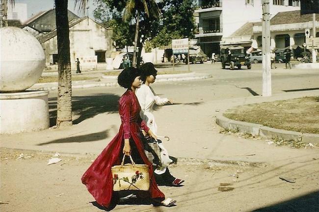 Hơn nửa thế kỷ trước, phụ nữ Sài Gòn đã mặc chất, chơi sang như thế này cơ mà! - Ảnh 5.