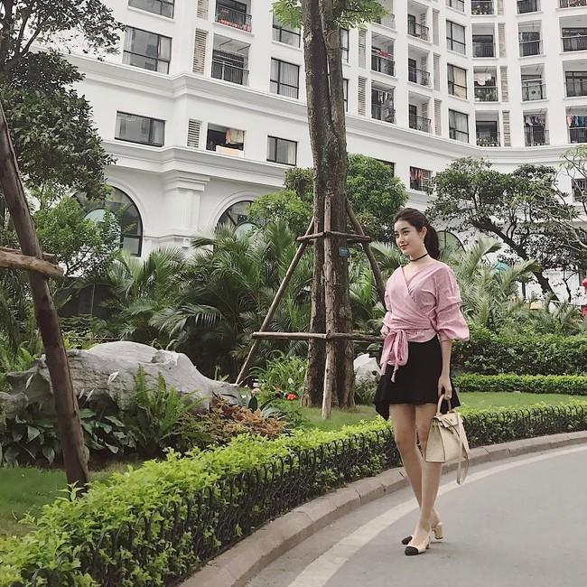 Angela Phương Trinh dìm chiều cao bằng quần loe quá khổ, Đỗ Mỹ Linh chững chạc với tóc uốn xoăn - Ảnh 12.
