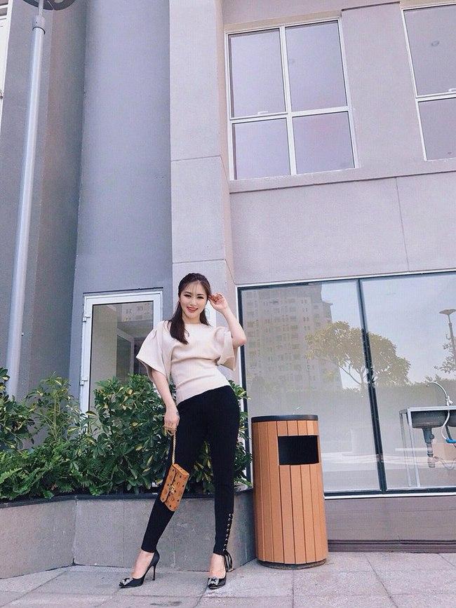 Angela Phương Trinh dìm chiều cao bằng quần loe quá khổ, Đỗ Mỹ Linh chững chạc với tóc uốn xoăn - Ảnh 21.