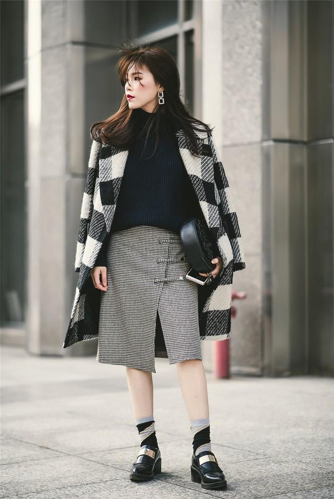 Xem loạt gợi ý từ street style châu Á để diện đồ vừa ấm vừa chất khi thời tiết đột ngột chuyển lạnh - Ảnh 1.