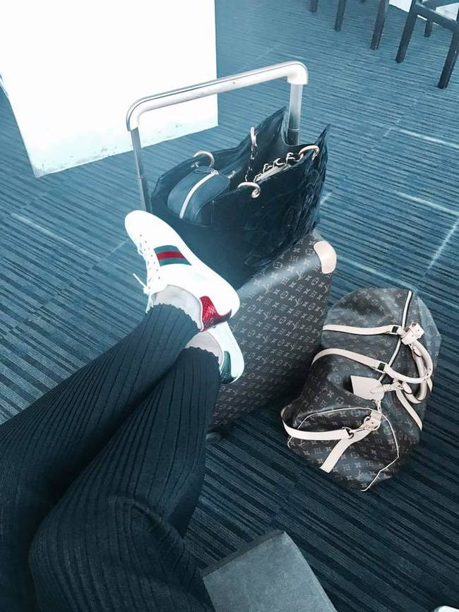 Đây là lý do các người đẹp Việt đang tạm cất giày cao gót vào một góc - Ảnh 2.