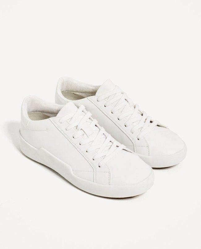 Loạt thương hiệu bình dân đã tung ra nhiều mẫu giày thể thao trắng cho các nàng tha hồ lựa chọn - Ảnh 2.