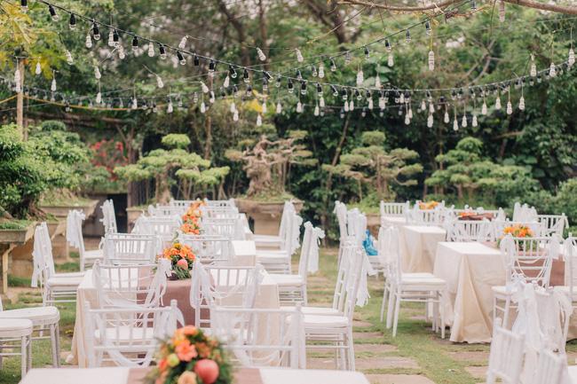 Đám cưới sân vườn xanh tươi, đẹp như mơ, khiến chú rể khô như ngói cũng tưởng được vào vai hoàng tử - Ảnh 34.