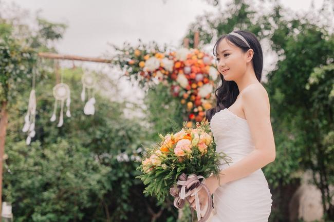 Đám cưới sân vườn xanh tươi, đẹp như mơ, khiến chú rể khô như ngói cũng tưởng được vào vai hoàng tử - Ảnh 6.