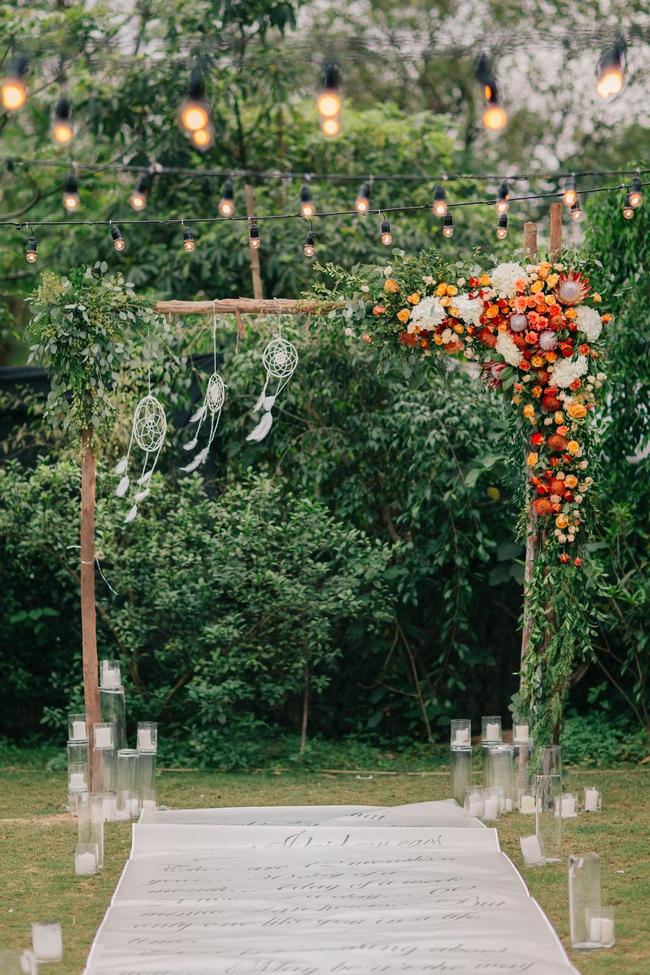 Đám cưới sân vườn xanh tươi, đẹp như mơ, khiến chú rể khô như ngói cũng tưởng được vào vai hoàng tử - Ảnh 4.