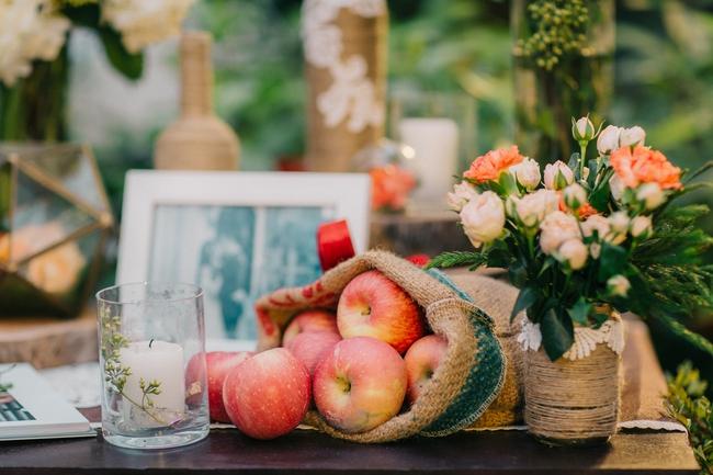 Đám cưới sân vườn xanh tươi, đẹp như mơ, khiến chú rể khô như ngói cũng tưởng được vào vai hoàng tử - Ảnh 29.