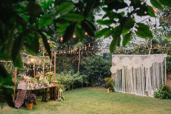 Đám cưới sân vườn xanh tươi, đẹp như mơ, khiến chú rể khô như ngói cũng tưởng được vào vai hoàng tử - Ảnh 8.
