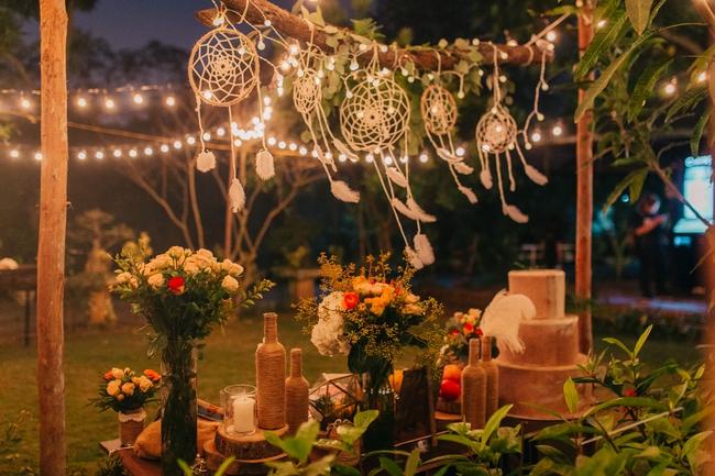 Đám cưới sân vườn xanh tươi, đẹp như mơ, khiến chú rể khô như ngói cũng tưởng được vào vai hoàng tử - Ảnh 39.