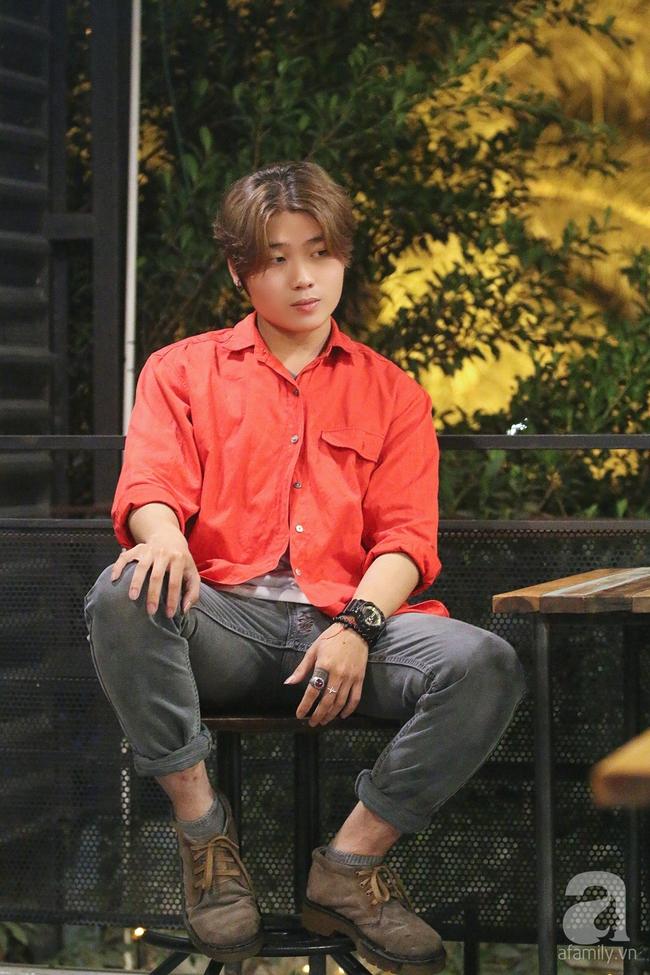 Chàng trai 19 tuổi thi The Voice lấy nước mắt khán giả vì chuyện nghỉ học để lăn lộn mưu sinh - Ảnh 2.