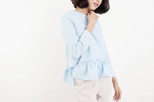 Loạt mẫu áo sơmi/blouse trơn màu giá chưa đến 500 ngàn từ thương hiệu Việt để các nàng chọn mua cho hè - Ảnh 10.