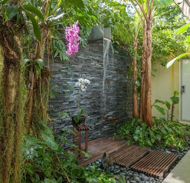 Nhà tắm ngoài trời, cách đơn giản để mang thiên đường vào không gian sống - Ảnh 7.