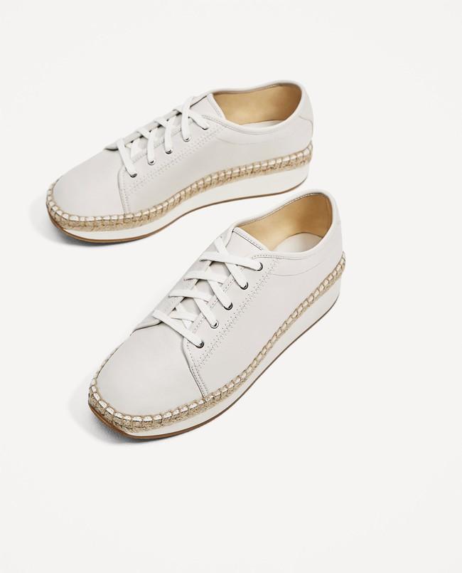 Loạt thương hiệu bình dân đã tung ra nhiều mẫu giày thể thao trắng cho các nàng tha hồ lựa chọn - Ảnh 4.