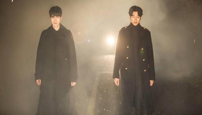 Ngẩn ngơ trước phong cách chuẩn soái ca ngôn tình của 3 mỹ nam phim Hàn - Ảnh 42.