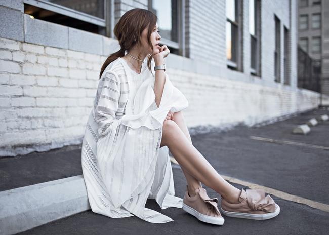 Xu hướng giày dép 2017: Thời đại của những thiết kế bánh bèo thắt nơ - Ảnh 16.