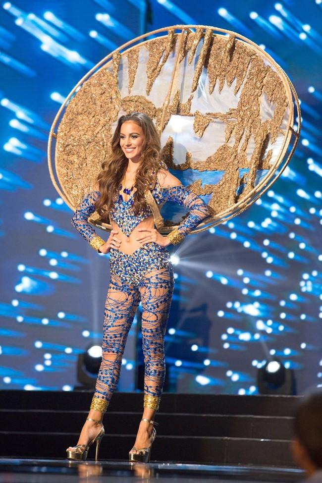 Ngắm nhìn những bộ trang phục truyền thống lộng lẫy, cầu kỳ nhất đêm Chung kết Hoa hậu Hoàn Vũ 2017 - Ảnh 5.