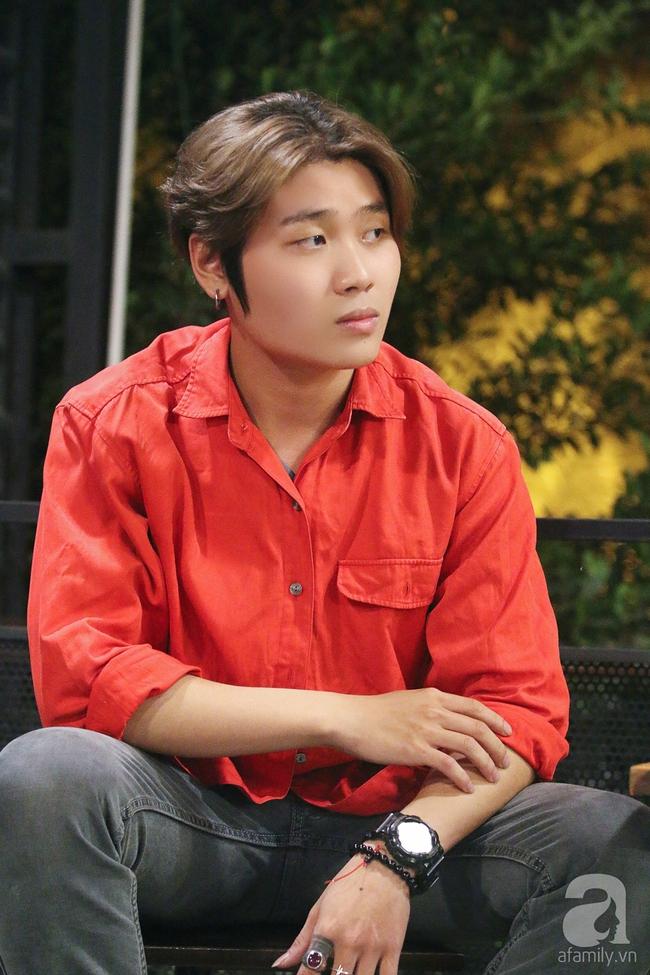 Chàng trai 19 tuổi thi The Voice lấy nước mắt khán giả vì chuyện nghỉ học để lăn lộn mưu sinh - Ảnh 4.
