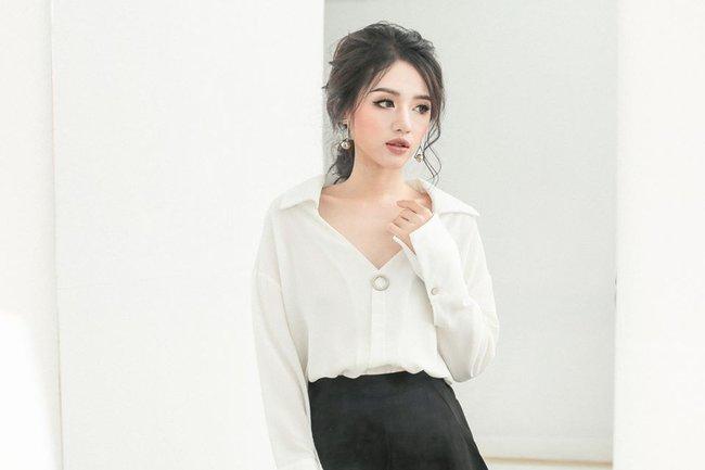 Loạt mẫu áo sơmi/blouse trơn màu giá chưa đến 500 ngàn từ thương hiệu Việt để các nàng chọn mua cho hè - Ảnh 14.