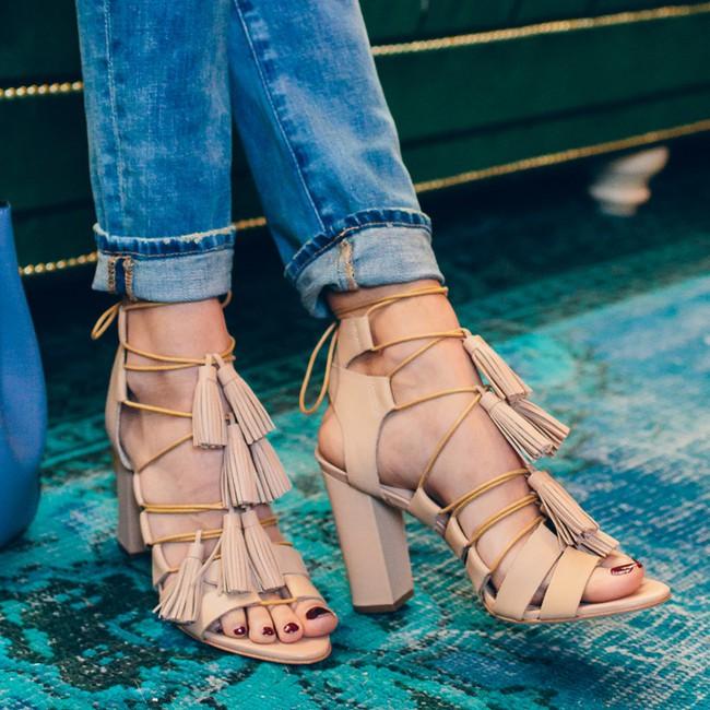 Giữa loạt xu hướng cũ-mới đan xen của năm 2017, đây là 6 kiểu giày hợp lý nhất bạn nên chọn cho mình - Ảnh 14.