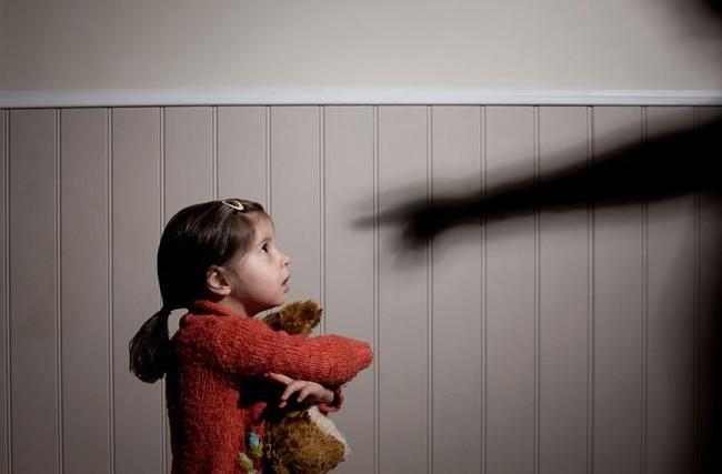 Đừng chần chừ nữa, bố mẹ PHẢI ĐỌC NGAY để con không bị xâm hại tình dục - Ảnh 1.