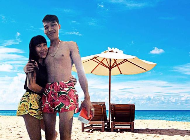 Cặp đôi quần đùi dưa hấu nhờ chỉnh ảnh đang đứng ở biển, và cái kết... - Ảnh 5.