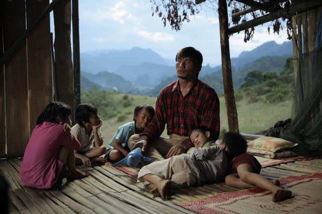 Cha cõng con - Phim Việt không ngôi sao tung trailer đẹp lung linh và chan chứa tình - Ảnh 7.