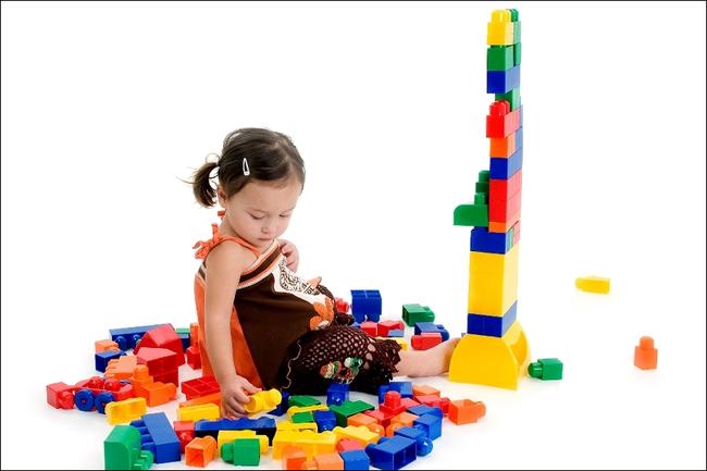 Những trò chơi đơn giản ngay tại nhà lại giúp bé <a target='_blank' href='http://www.phunuvagiadinh.vn/tag/phat-trien-tri-nao'>phát triển trí não</a> cực tốt - Ảnh 1.