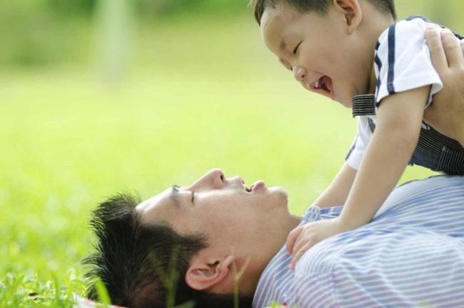 Học ngay cách dạy con xuất sắc của một ông bố lười - Ảnh 3.