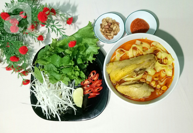 Nấu mì Quảng gà cho bữa sáng nóng hổi thơm ngon - Ảnh 9.
